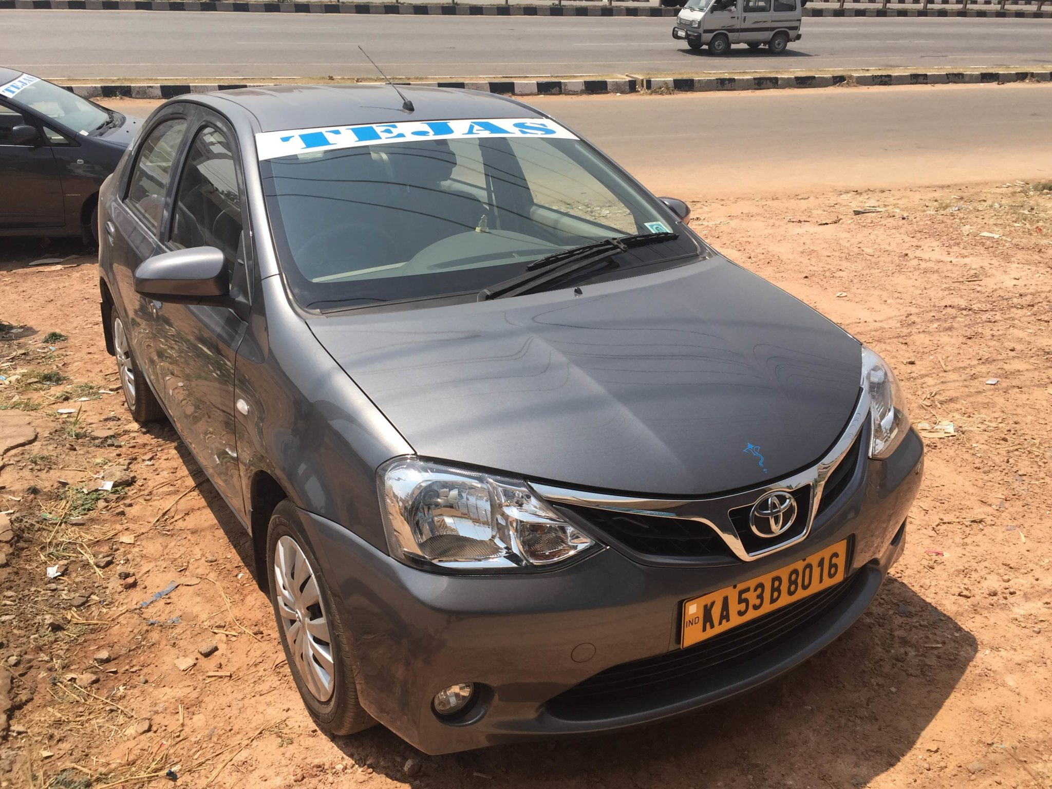 hire a luxury etios car